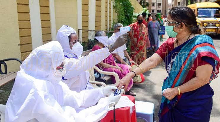ആശങ്കയോടെ കേരളം; കോവിഡ് ബാധിതർ 5000ന് മുകളിൽ