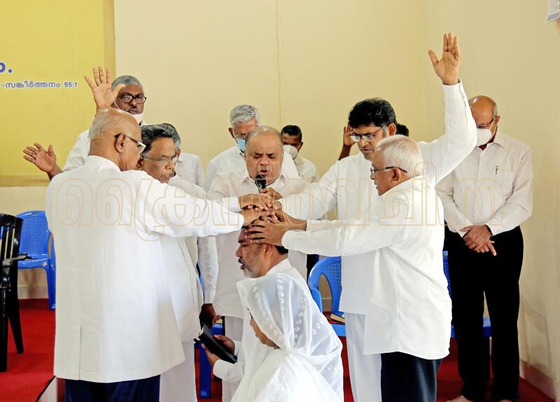 എം.എ. തോമസ് ഐ.പി.സി. പെരുമ്പാവൂര് സെന്റര് പാസ്റ്ററായി ചുമതലയേറ്റു